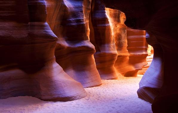 Картинка песок, свет, следы, скала, скалы, ущелье, пещера, сша, аризона, штаты, широкоформатные обои, пещеры, обои на …