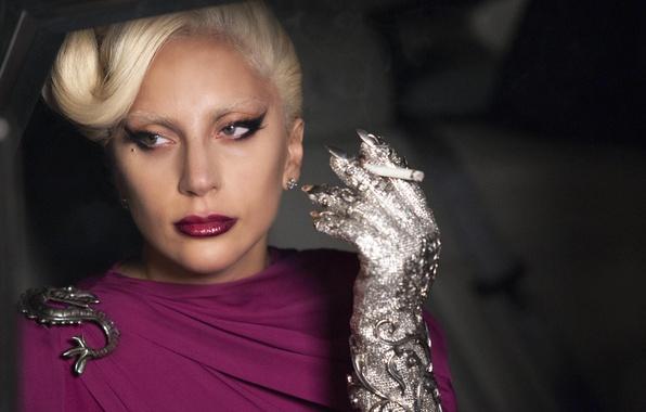 Картинка девушка, актриса, певица, fashion, знаменитость, smoke, woman, cigarette, singer, dragon, Lady Gaga, Hotel, Леди Гага, …