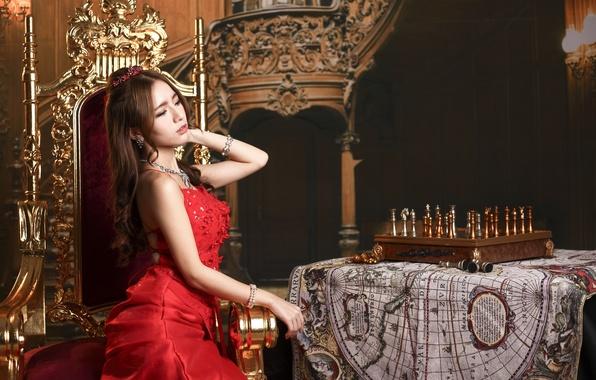 Картинка девушка, лицо, стиль, стол, красное, карта, макияж, шахматы, платье, азиатка
