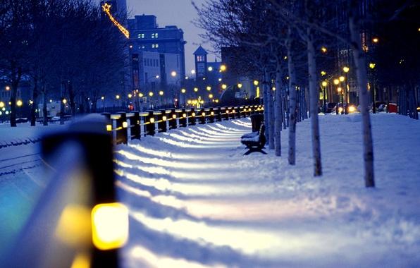 Картинка зима, снег, ночь, city, город, lights, улица, фонари, скамейки, night, winter, snow, street, benches