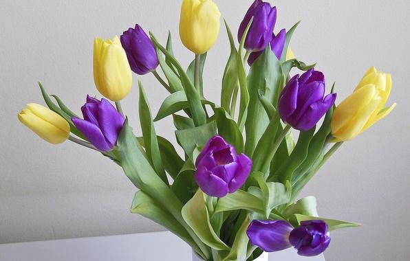 Картинка букет, желтые, тюльпаны, ваза, сиреневые