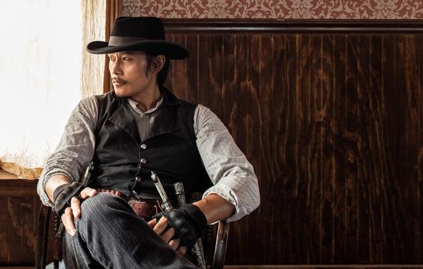 Картинка оружие, шляпа, перчатки, ковбой, ножи, револьвер, вестерн, жилетка, Ли Бён Хон, Lee Byeong Heon, The …