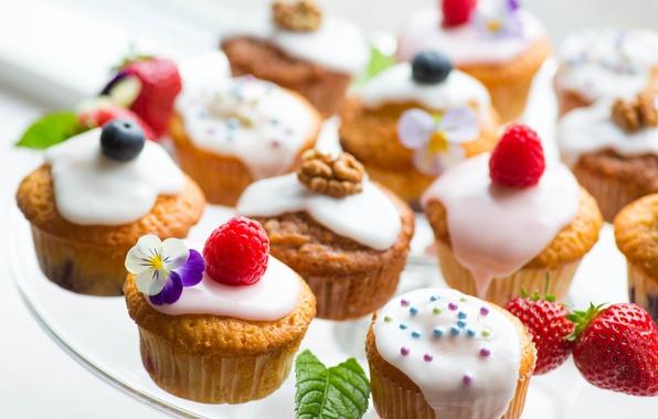 Картинка малина, еда, черника, клубника, пирожное, крем, десерт, food, flowers, сладкое, cream, dessert, blueberries, strawberries, muffins, …