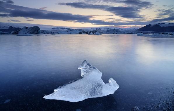 Картинка озеро, льдина, сумерки, Исландия