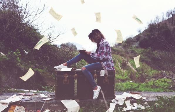 Картинка девушка, мысли, листы, хаос, творчество, photo, photographer, писатель, процесс, поэт, Alessandro Di Cicco, творец
