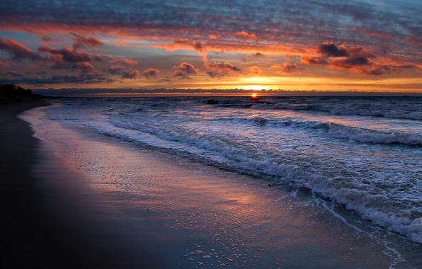 Картинка песок, море, волны, пляж, небо, вода, солнце, облака, пейзаж, закат, берег
