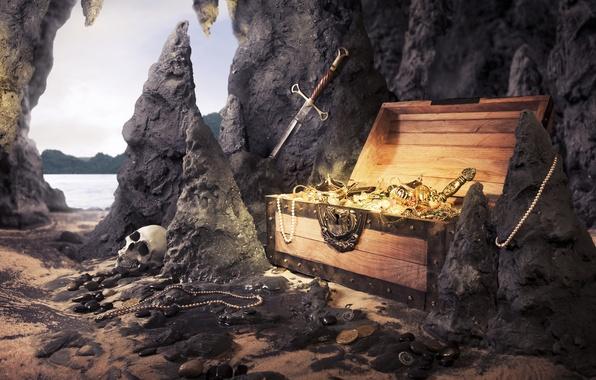 Картинка песок, море, пляж, камни, скалы, череп, меч, ожерелье, жемчуг, монеты, сундук, сокровища