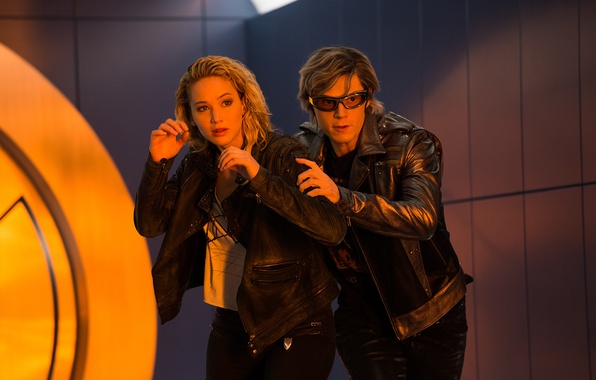 Картинка кадр, очки, куртка, Mystique, Jennifer Lawrence, Дженнифер Лоуренс, Raven, Evan Peters, Quicksilver, Эван Питерс, X-Men: …