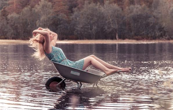 Картинка вода, девушка, ситуация
