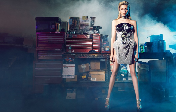 Картинка модель, дым, макияж, фигура, платье, актриса, прическа, блондинка, туфли, стоит, фотосессия, позирует, Harper's Bazaar, Nicola …
