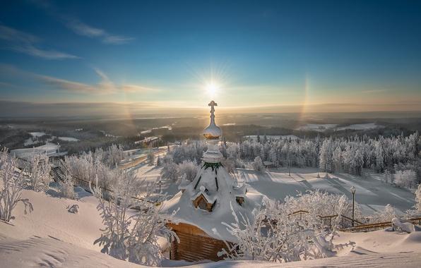 Картинка зима, иней, солнце, снег, сияние, восход, красота, крест, даль, простор, церковь, Christmas, чудо, религия, монастырь, …