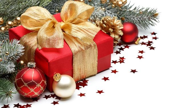 Картинка шарики, ветки, коробка, подарок, шары, узоры, игрушки, Новый Год, Рождество, золотой, бант, Christmas, красная, шишки, …