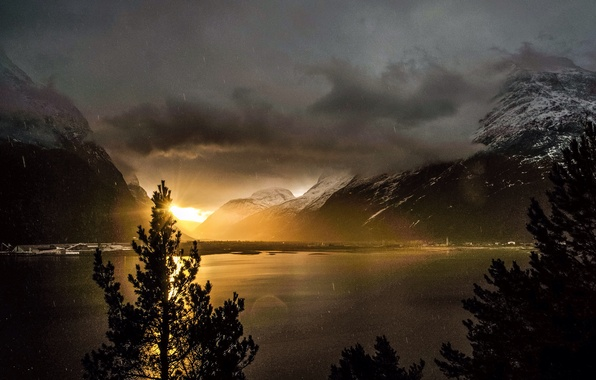 Картинка Clouds, Landscape, Sun, Mountain, Rain, Beauty, Sunrise