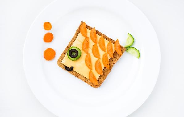Картинка креатив, еда, завтрак, сыр, огурец, тарелка, хлеб, оливки, морковь