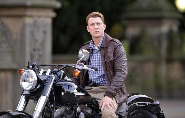 Картинка взгляд, фон, мотоцикл, мужчина, актёр, Капитан Америка, Captain America, Harley-Davidson, Крис Эванс, Chris Evans, Steve ...