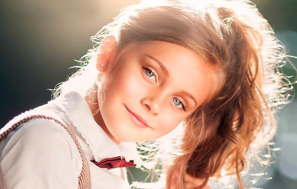 Картинка улыбка, портрет, девочка, солнечный свет