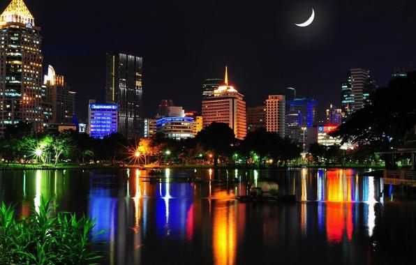 Картинка вода, ночь, город, огни, отражение, дома, месяц, Таиланд, Бангкок, Thailand, Bangkok