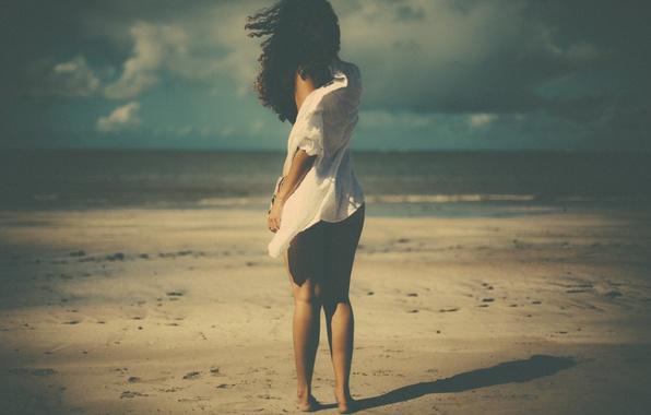 Фото обои shadow, wind, beach, girl