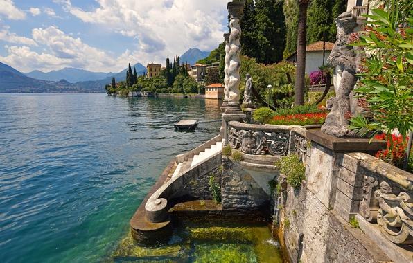 Картинка цветы, горы, озеро, вилла, дома, Италия, ступени, статуя, Varenna, Villa Monastero