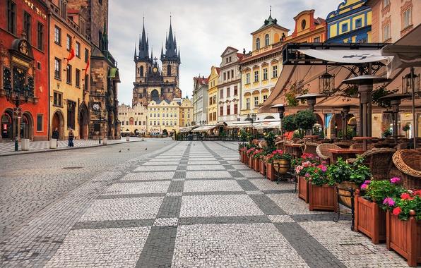 Картинка город, здания, Прага, Чехия, площадь, кафе, архитектура, Prague, Czech, Praha, Староместская площадь, Тынский храм, Старе-Место, …
