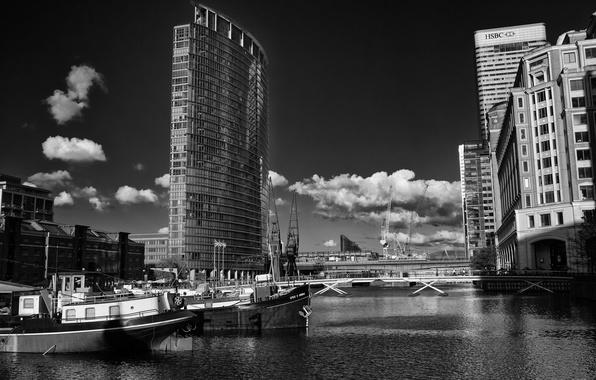 Картинка небо, вода, облака, здания, пристань, корабли, Сан-Франциско, черно-белое, мосты, катера, The Wharf, фото обоина