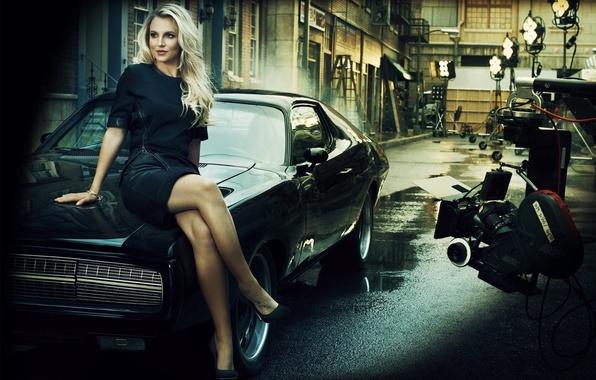 Картинка поза, Девушка, ножки, автомобиль, Britney Spears, площадка, Бритнир Спирс