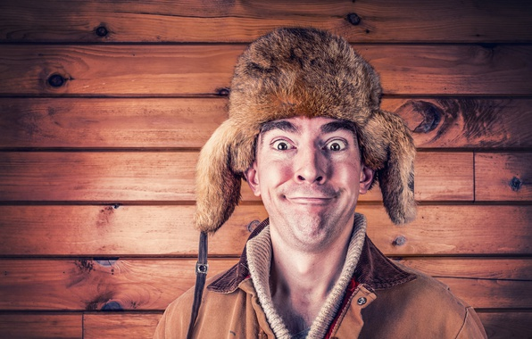 Фото обои шапка, довольный, мужик, куртка, ушанка, портрет