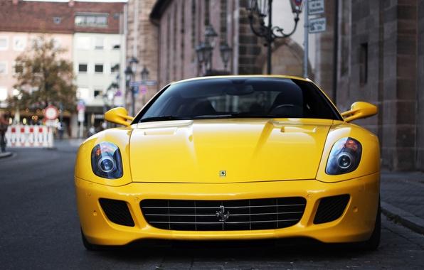 Картинка желтый, город, размытость, Ferrari, Fiorano, supercar, феррари, GTB, 599, yellow, V12, боке, sportscar, Coupé