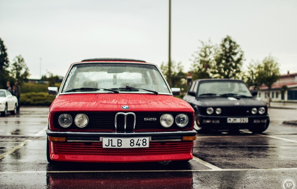 Картинка две, бмв, BMW, черная, красная, tuning, stance, 525