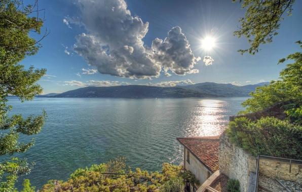 Картинка облака, горы, озеро, Италия, Italy, водная гладь, Leggiuno, Lombardia, Ломбардия, Лаго-Маджоре, Варезе, Varese, Lake Maggiore