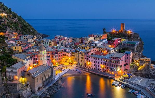 Картинка море, побережье, здания, бухта, лодки, Италия, Italy, Лигурийское море, Вернацца, Vernazza, Cinque Terre, Чинкве-Терре, Лигурия, ...