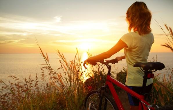 Картинка море, пшеница, небо, вода, девушка, солнце, облака, закат, природа, велосипед, отражение, река, фон, настроения, спорт, …