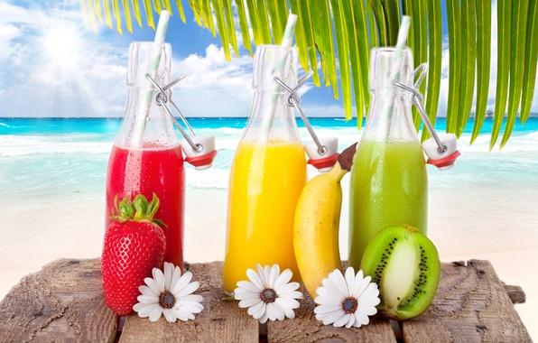 Картинка море, пляж, небо, солнце, облака, киви, клубника, фрукты, банан, напитки, beach, sky, sea, коктейли, clouds, …