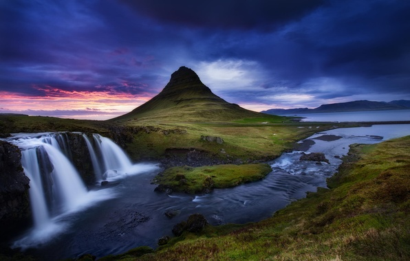 Картинка облака, пейзаж, природа, река, гора, водопад, поток, вулкан, Исландия, Kirkjufell