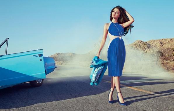 Картинка дорога, машина, взгляд, девушка, модель, дым, красотка, Селена Гомес, Selena Gomez