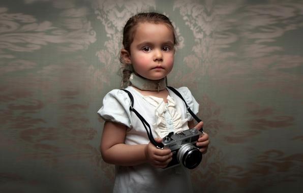 Картинка портрет, размытие, фотоаппарат, девочка, Retro Child