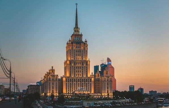 Картинка лето, закат, ночь, city, город, lights, огни, здание, москва, summer, sunset, night, skyscraper, гостиница, Moscow, …