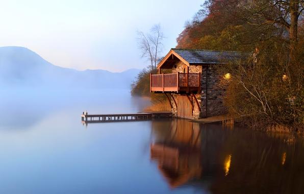 Картинка осень, туман, озеро, рассвет, причал, сарай