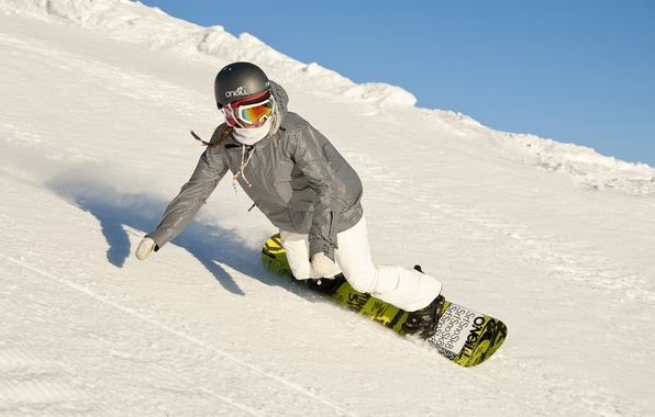 Картинка зима, девушка, снег, горы, сноубординг, спуск, snowboard, сноубордист, ратрак