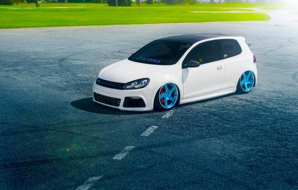Картинка Volkswagen, Grass, Blue, Sun, Color, White, Golf, Stance, Wheels, Royal, Beam, Panchito