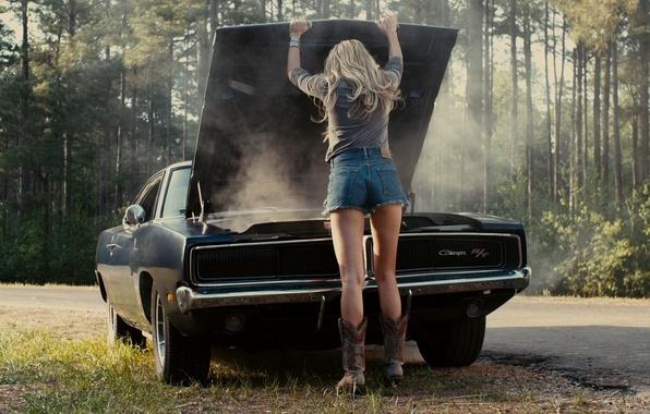 Картинка машина, авто, попа, попка, волосы, шорты, Девушка, блондинка, ножки, Эмбер Хёрд, сумасшедшая езда, Ember Heard