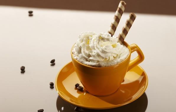 Картинка кофе, еда, зерна, сливки, тарелка, кружка, чашка, белый фон, крем, оранжевое, сладкое, нежные вершки