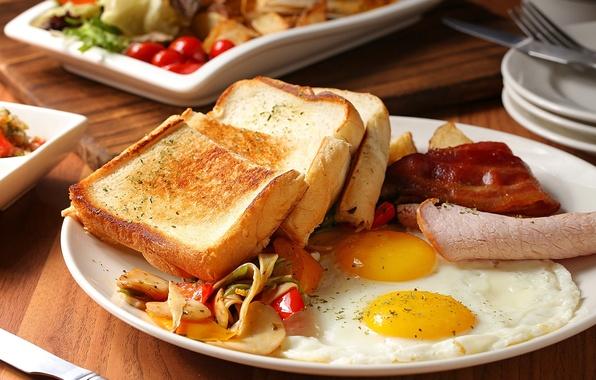 Картинка яйца, хлеб, мясо, яичница, овощи, тосты