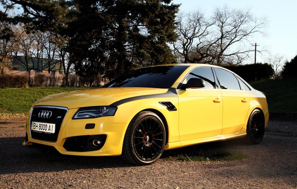 Желтая машина фото 7