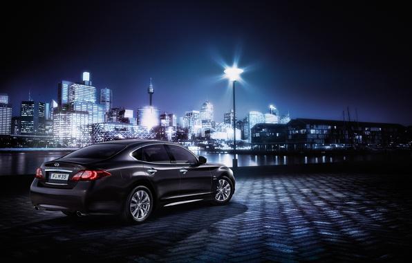 Картинка машина, свет, ночь, город, здания, Infiniti, автомобиль, Hybrid, M35h, Business Edition
