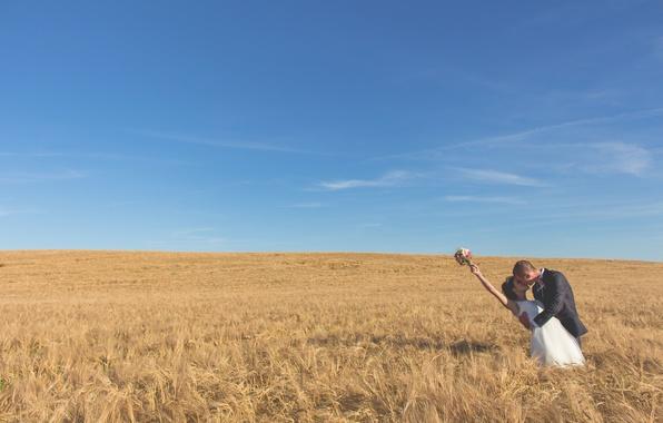 Картинка пшеница, поле, небо, облака, женщина, тень, букет, пара, мужчина, солнечный, фермы, поле пшеницы