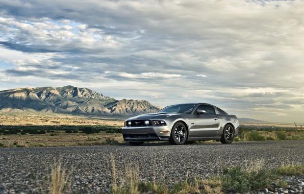 Фото обои небо, горы, Mustang, Ford, мустанг, серебристый, мускул кар, 5.0, front, Muscle car, silvery