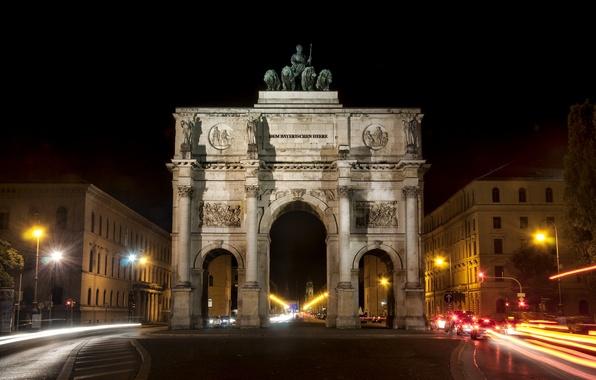 Картинка дорога, машины, ночь, здания, фонари, Night, Siegestor, Munich