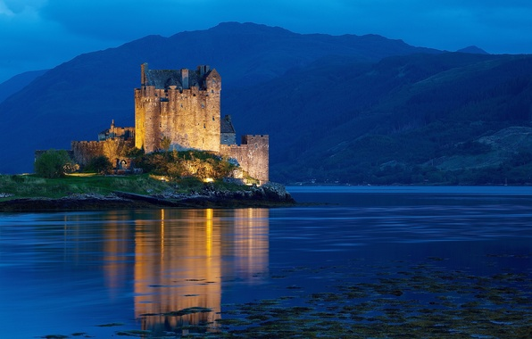 Картинка вода, свет, горы, ночь, замок, холмы, Шотландия, подсветка, Великобритания, Scotland, United Kingdom, blue hour, Dornie