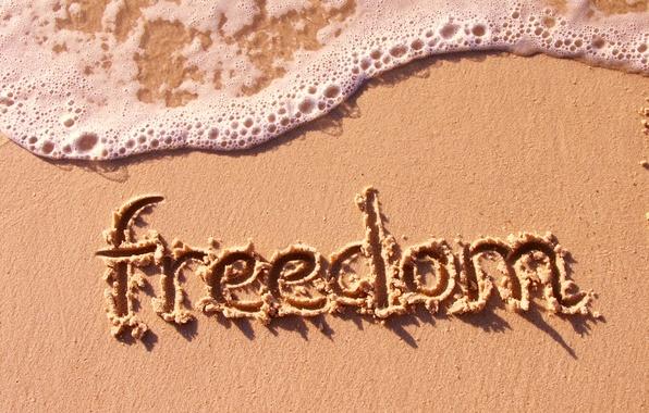 Картинка песок, море, пляж, свобода, настроение, надпись, волна, freedom